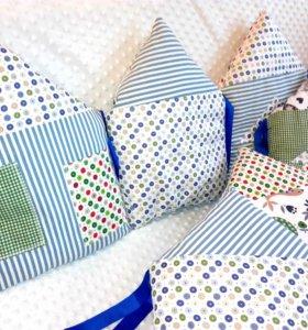 Бортики подушки домики в кроватку новые