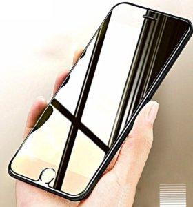 Защитное стекло на iPhone 8.