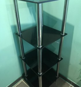 Стеклянная этажерка