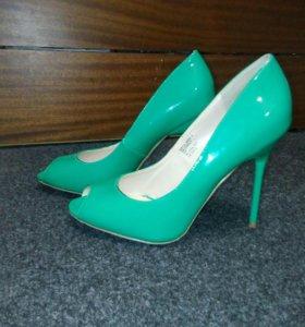 Туфли зеленые.38р-р.новые