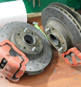 Тормозные диски с суппортами