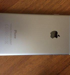 Телефон iPhone 6.