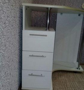 Компьютерный стол.для ноута или моноблок