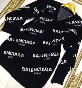 Свитер Balenciaga новый