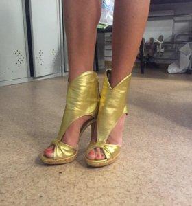 Шикарные золотые босоножки Loriblu 36р