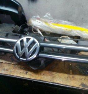 Решетка радиатора VW туарег