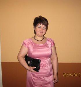 праздничное платье р-р 48-50