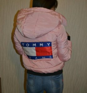 "Куртки""Tommy Hilfiger"""