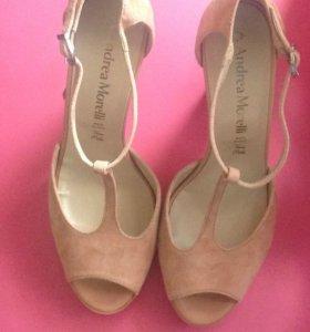 Новые туфли босоножки 40 оригинал Andrea Morelli