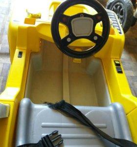 Машина на аккумуляторе детская