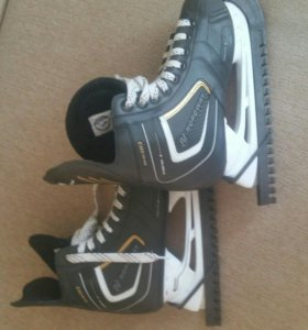 Профессиональные хоккейные коньки!!