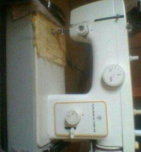 """Продам швейную машину ,,Чайка-132-М""""."""
