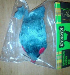 Заводная мышка она не ездите а приятно вибрирует!