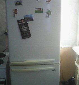 Продам холодильник Premier