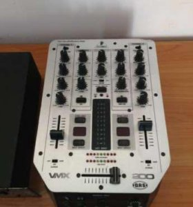 Behringer PRO MIXER VMX200 DJ-микшер