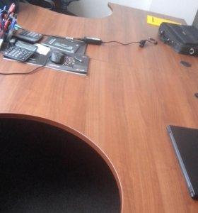 продам офисные столы и тумбы