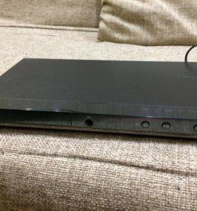 DVD-плеер Samsung DVD-D530K