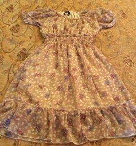 Платье в состоянии нового размер 40-42