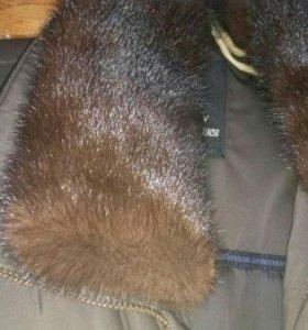Зимняя куртка. С норковым воротником.