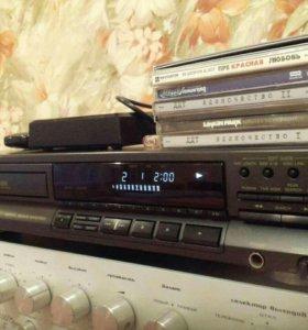 Проигрыватель компакт-дисков TECHN