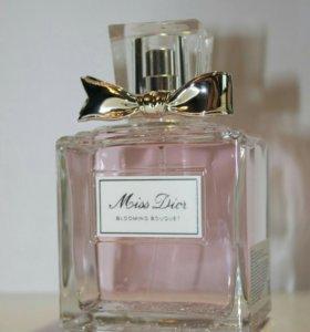 Туалетная вода Miss Dior Blooming Bouquet
