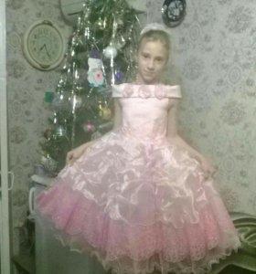 Платье праздничное!!! Очень красивое!!!