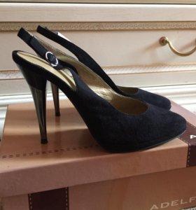 Новые замшевые туфли/ босоножки