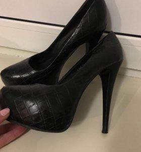 Туфли, чёрные