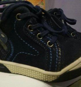 В отличном состоянии ботиночки 20 размер