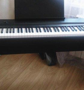 Электронное пианино Casio PX-135