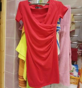 Платье трикотажное новое