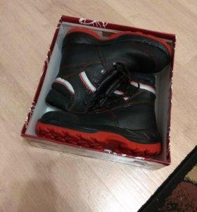 Ботинки новые 39 размер