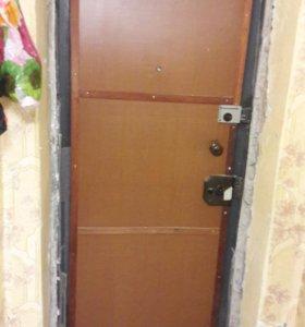 Дверь входная.