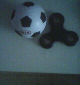 Спинер,мячик ,все 150 р.