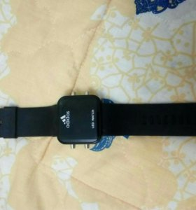Часы наручные электронные adidas