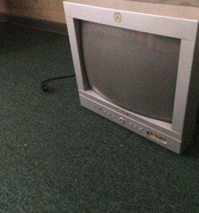 Обычный ламповый телевизор, в рабочем состоянии