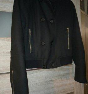 Бомбер, короткое пальто (куртка)