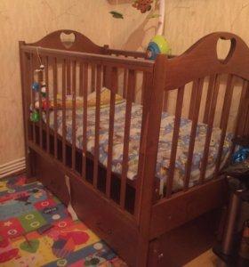 Детская кровать-маятник(новая).
