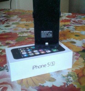 Чехол-зарядка для iPhona 5s