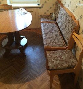 Кухонный стол, два стула, диван из двух частей