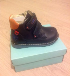 Новые ботинки д/м размер 26