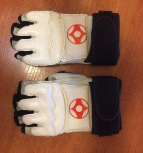 Перчатки для каратэ киокушинкай