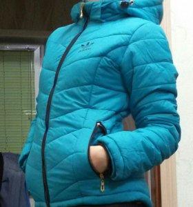 Куртка зимняя теплая очень.