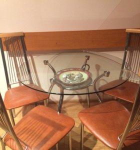 Стол стеклянный и 4 стула