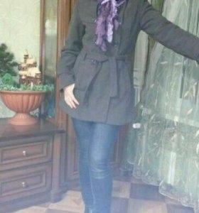 Утепленное пальто на осень.
