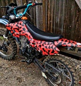 Мотоцикл рейсер 150
