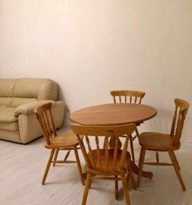 Раздвижной стол и стулья из массива дерева