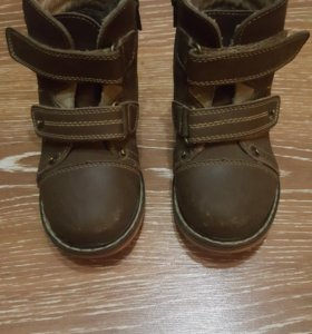 Осенние ботинки 25 размер