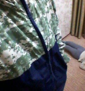 Куртка-ветровка с пугавицами для нашивки