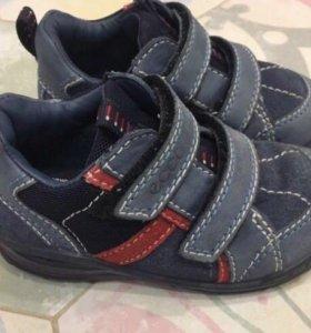 Ботинки на мальчика Ecco р-р 22